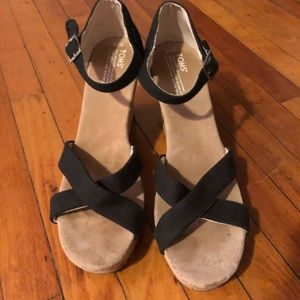 Toms 12 women's black sandals worn once